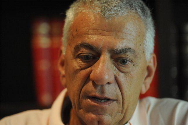 El expresidente de Newells se encuentra otra vez internado.
