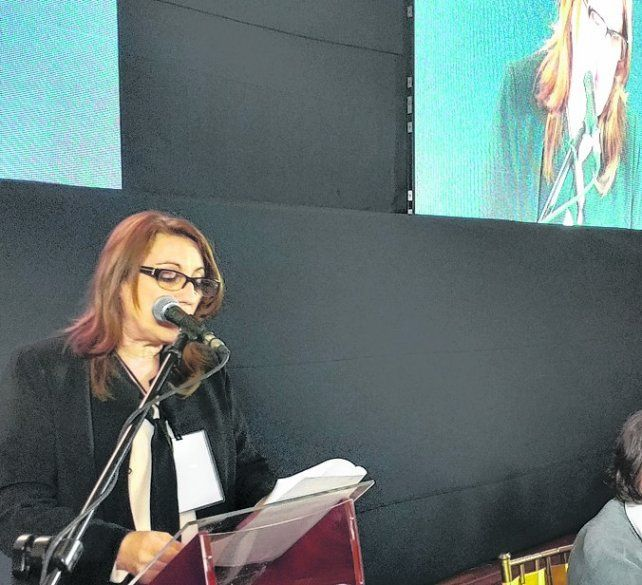 Presente. La intendenta disertó en la asamblea que se realizó en Bogotá.