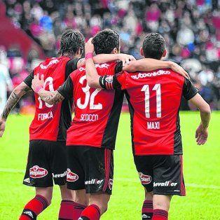 El alma leprosa. Hoy la componen Formica, Scocco y Maxi Rodríguez, justo los encargados del juego ofensivo del equipo de Osella.