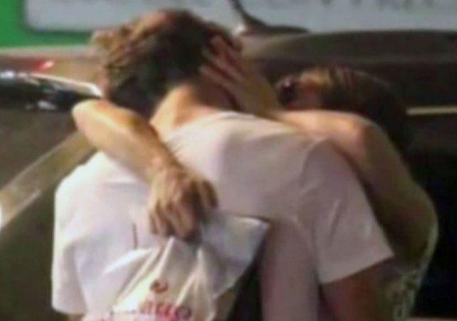 Pampita y Pico Mónaco ya no se ocultan y se besan con pasión en un shopping