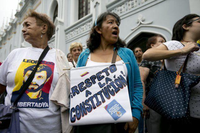 En Venezuela, el gobierno postergó para 2017 unas elecciones decisivas