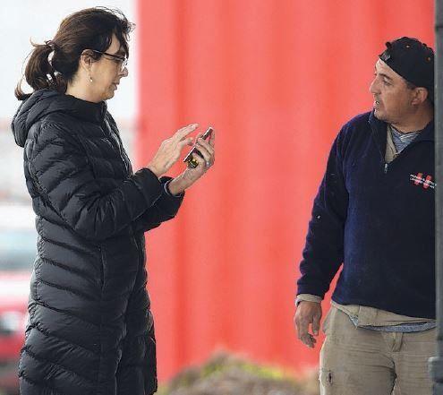 María Eugenia Bielsa estuvo en Bella Vista supervisando la obra del hotel que donó su hermano