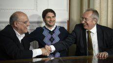 Los presidentes de Newells, Eduardo Bermúdez, y Central, Raúl Broglia, junto al ministro de Seguridad, Maximiliano Pullaro.
