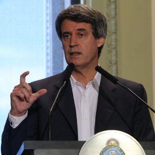 El ministro de Hacienda Alfonso Prat Gay adelantó cuándo se debatirán los cambios en Ganancias.