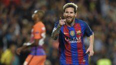 Lionel Messi festeja uno de los tres goles que le convirtió al Manchester City por la tercera fecha de la Champions League. (NA)