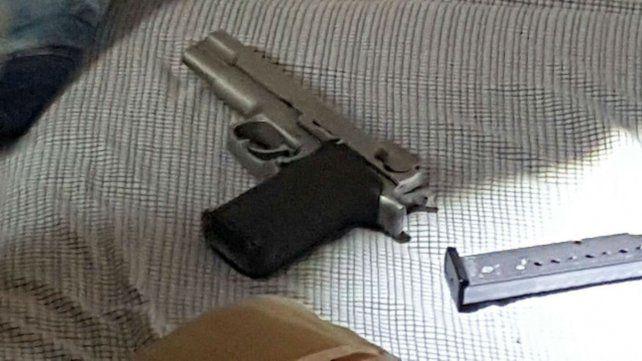 El arma que fue incautada en Callao al 3900.