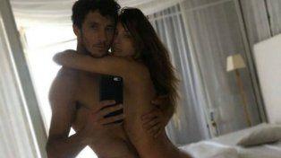 El tenista y la mediática se fueron de vacaciones a Miami y se viralizaron unas imágenes de ambos desnudos y muy apasionados.