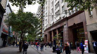 Microcentro. Uno de los allanamientos fue realizado en una sociedad bursátil de Peatonal Córdoba al 1400.