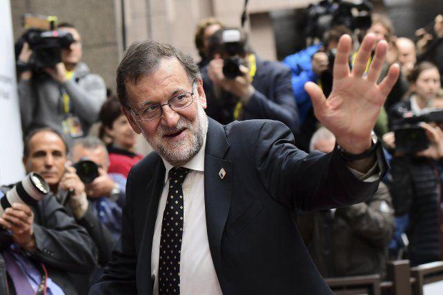 Acuerdo. El presidente interino español indultó al célebre galardón.
