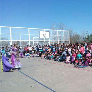 Un cambio emblemático. El playón del barrio Santa Lucía fue escenario de los festejos del Día del Niño.