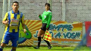 La árbitro del fútbol de ascenso Eugenia Rocco denunció el martes una agresión en la cancha de Argentino de Quilmes.
