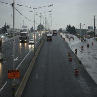 Más ancha. La avenida de Circunvalación está siendo ensanchada y hay sectores que ya tienen tres carriles.