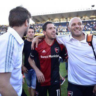 La felicidad de Maxi tras la victoria leprosa en el Gigante.
