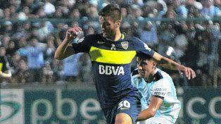 A mano. Boca y Atlético Tucumán empataron en el Jardín de la República.