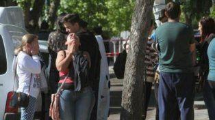 Familiares de las víctimas, ante el horror de la noticia.
