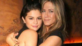 Jennifer Aniston visitó a Selena Gómez en un centro de rehabiluitación