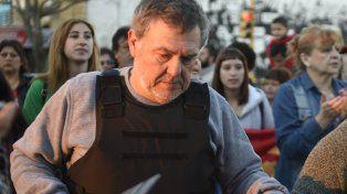 Alberto Perassi y su custodio fueron demorados por la policía por usar chaleco antibalas