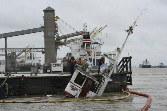 El barco se hundió a la altura de Fray Luis Beltrán.