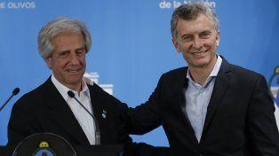 El presidente de Uruguay, Tabaré Vázquez, se reunió con su par argentino Mauricio Macri.