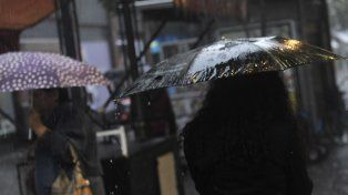Alertas por tormentas intensas y fuertes en 15 provincias, entre ellas Santa Fe.