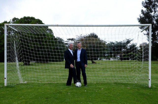 Fútbol. Vázquez y Macri también hablaron de la posibilidad de organizar el Mundial 2030 en conjunto.