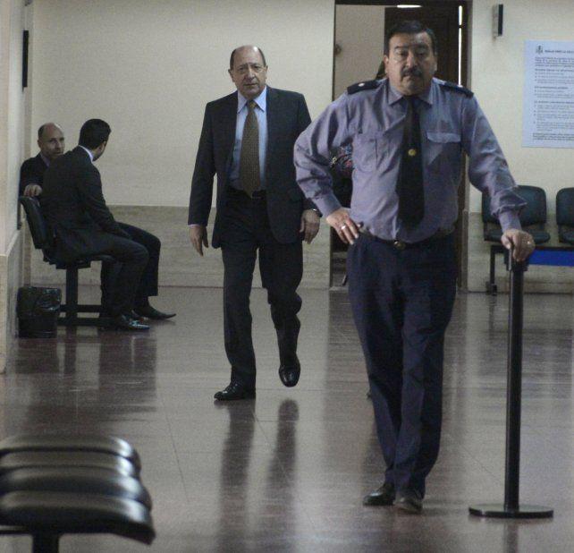 En tribunales. Superti defendió a Oneto cuando fue imputado y ayer presentó la apelación a su prisión preventiva.