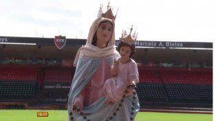 Durante dos semanas, la imagen de la virgen de San Nicolás se exhibirá en Newells
