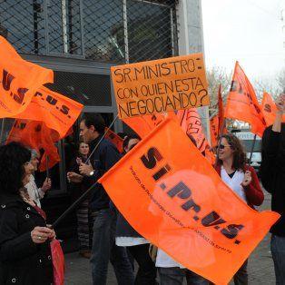 hospitales y centros de salud provinciales se veran afectados el viernes por un paro del siprus