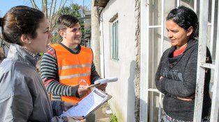 Pionero. En el barrio Santa Lucía los operadores territoriales ya realizaron un censo que permitió identificar las prioridades en materia social.