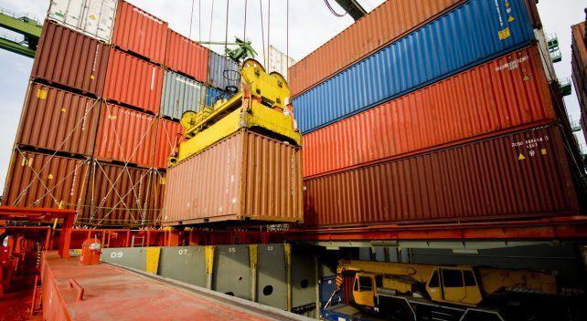 Contenedores. El grupo eludía controles aduaneros de importación.