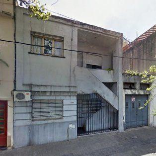 La casa. Pasco 1040, una de las viviendas de las cuales se apoderó la banda.