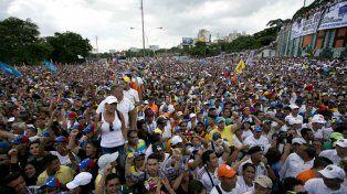 Miles de manifestantes se congregaron en Caracas para decirle basta a las políticas de Maduro.