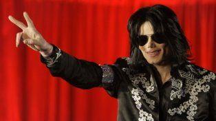 El cantante suma una nueva denuncia por abuso sexual contra menores