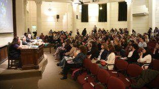 Cónclave inédito. La Facultad de Medicina de la UNR fue ayer escenario de un histórico debate sobre el aborto.
