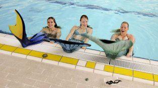 Las jóvenes aprendices de sirenas en la escuela de Holanda.