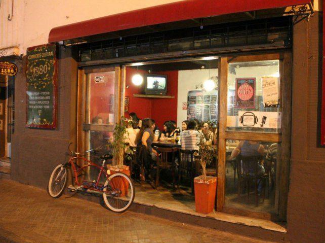 La Chamuyera es un espacio cultural ubicado en Corrientes al 1300