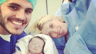 La imagen de la pareja sonriente tras el nacimiento de Isabella Icardi.