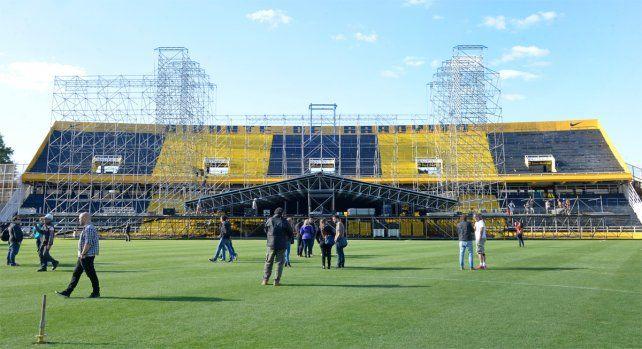El escenario ya fue montado y se ultiman detalles en el Gigante de Arroyito.