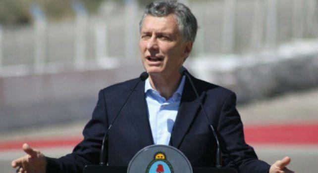 Macri participó en el acto donde se pusieron en marcha las licitaciones para las ibras del rúnel de