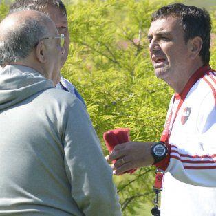 Osella dialoga con el presidente rojinegro Eduardo Bermúdez, quien le ofrecerá un año más de contrato.