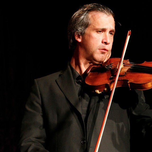 En nombre del padre. El músico dijo que empezó tocando música clásica para diferenciarse de su papá Antonio.
