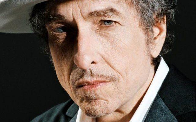 Misterio. Dylan no dejó claro por qué eludió los llamados de la Academia durante semanas.