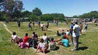 A jugar. Los jóvenes recuperaron un espacio público para la convivencia.