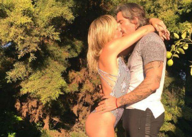 ¡Siempre sexy! Las poses sensuales de Rocío Guirao Díaz y el beso con Nicolás Paladini