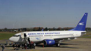 El aeropuerto de Fisherton tiene sólo dos frecuencias diarias a Buenos Aires.