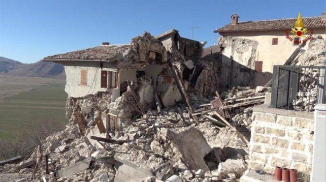 Destrozos en Castelluccio di Norcia.