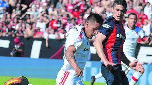 Cumplió. Tevez no desentonó de titular y podría mantenerse en el equipo para jugar en Avellaneda.