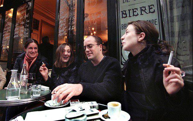 Francia pagará los parches de nicotina a los que dejen de fumar