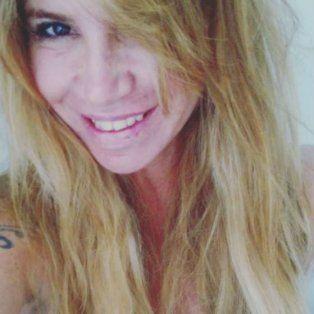 selfie hot de florencia pena a cara lavada y con un super escote
