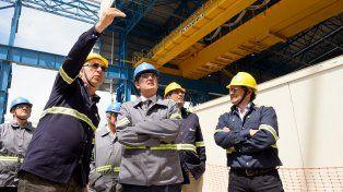 Visita. Etchegoyen recorrió con directivos de Gerdau la nueva planta de Pérez.